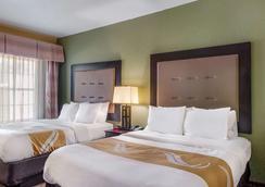 品质套房酒店 - 斯莱德尔 - 睡房