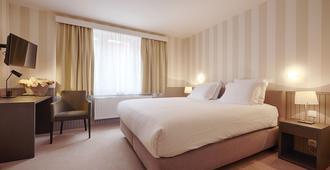 普耶酒店 - 布鲁日 - 睡房