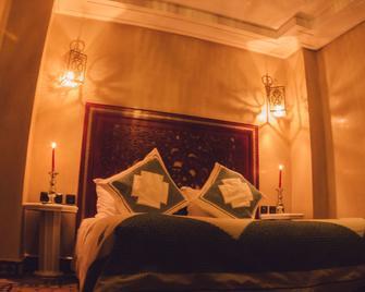 斯蒂尼亚高尔夫庭院酒店 - 梅克内斯 - 睡房