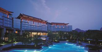 桂林香格里拉大酒店 - 桂林 - 游泳池