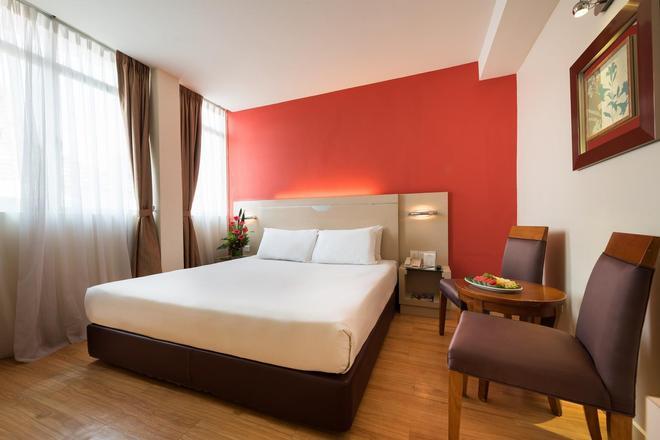 槟城乔治市中环酒店 - 乔治敦 - 睡房