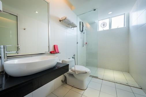 槟城乔治市中环酒店 - 乔治敦 - 浴室