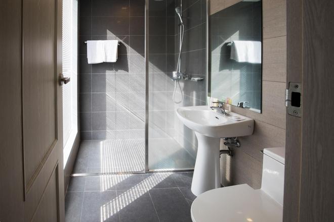 韦斯特凯世界杯酒店 - 西归浦 - 浴室