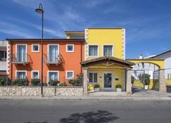 马林酒店 - 普拉(撒丁岛) - 建筑