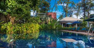 拉里维耶尔蒂吴哥度假酒店 - 暹粒 - 游泳池