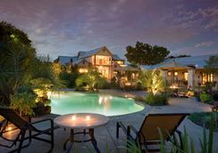 格兰伯里湖畔旅馆 - 格兰伯里 - 游泳池