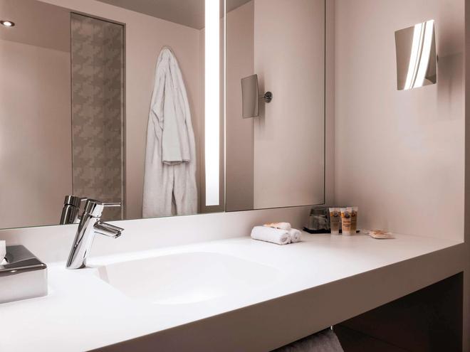 巴黎戴高乐机场与会议美居酒店 - 鲁瓦西昂法兰西 - 浴室