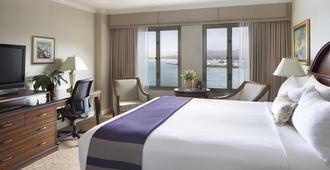 蒙特利广场酒店及水疗中心 - 蒙特雷 - 睡房