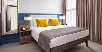 伦敦沃克斯豪尔驻桥套房假日酒店 - 伦敦 - 睡房