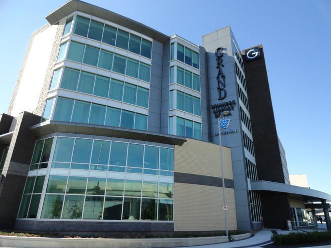 湖畔温尼伯机场大酒店 - 温尼伯 - 建筑