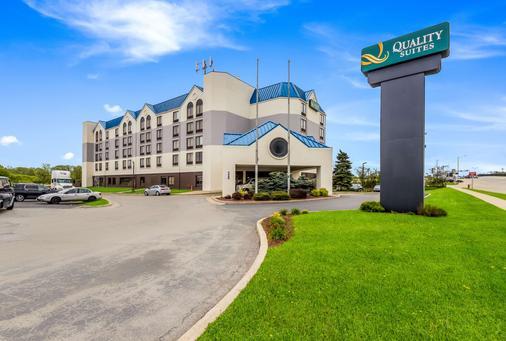 密尔沃基机场品质套房酒店 - 密尔沃基 - 建筑