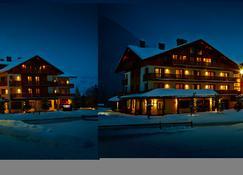 蒙大拿 Spa 旅馆 - 拉蒂勒 - 建筑