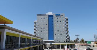 万巴斯酒店 - 拉巴斯