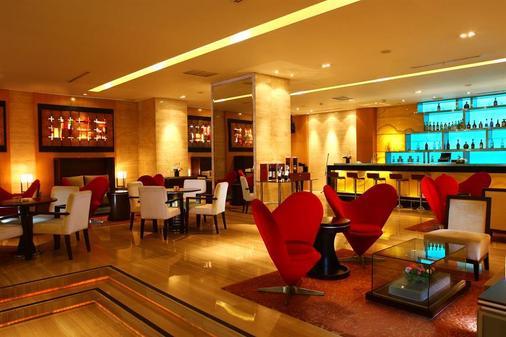 棉兰瑞士-贝尔酒店 - 棉兰 - 酒吧