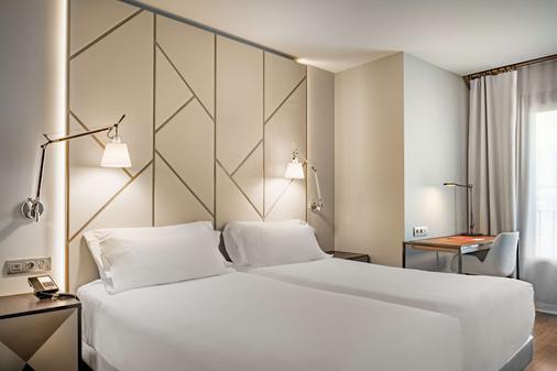 莱昂市长广场nh系列酒店 - 莱昂 - 睡房