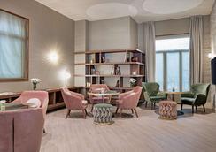 莱昂市长广场nh系列酒店 - 莱昂 - 休息厅