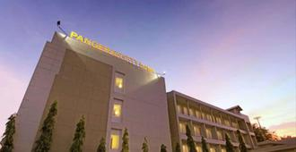 潘格蘭市飯店 - 巴东
