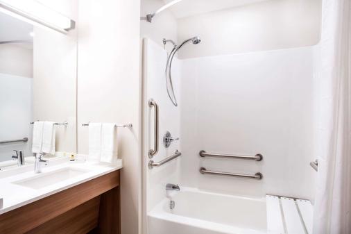 那不勒斯弗纳尔麦克罗特套房酒店 - 弗纳尔 - 浴室
