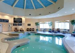 瀑布景观丽笙套房酒店 - 尼亚加拉瀑布 - 游泳池