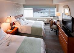 丽笙及套房福尔斯维尤酒店 - 尼亚加拉瀑布 - 睡房