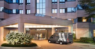华盛顿杜勒斯万豪套房酒店 - 赫恩登