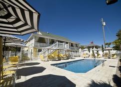 乔琪安尼套房旅馆 - 泰碧岛 - 游泳池