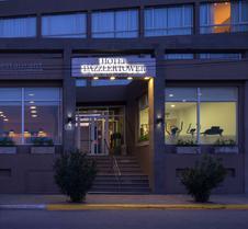 马德林港德泽尔酒店