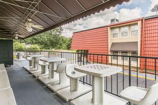 北部伊康旅馆 - 塔拉哈西 - 阳台