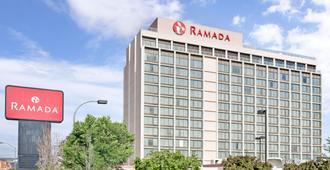 雷诺华美达酒店及赌场 - 里诺 - 建筑