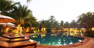 清莱拉努纳度假酒店 - 清莱 - 游泳池