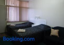 大中央汽车旅馆 - 干比尔山 - 睡房