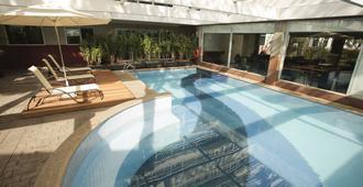 韦博迪威诺联合国蓝树高级酒店 - 圣保罗 - 游泳池