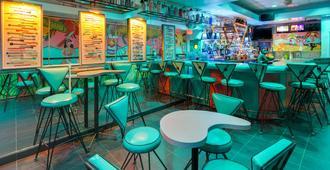 沃尔顿堡海滨贝斯特韦斯特酒店 - 沃尔顿堡滩 - 酒吧
