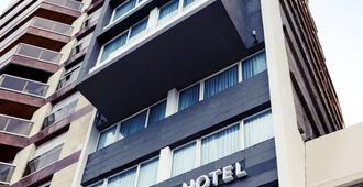 蒙得维的亚卡雷塔斯海峡美居酒店 - 蒙得维的亚 - 建筑