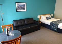 维多利亚汽车旅馆与公寓酒店 - 波特兰 - 睡房