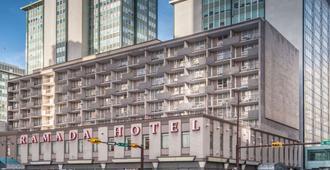 卡尔加里市中心华美达酒店 - 卡尔加里 - 建筑