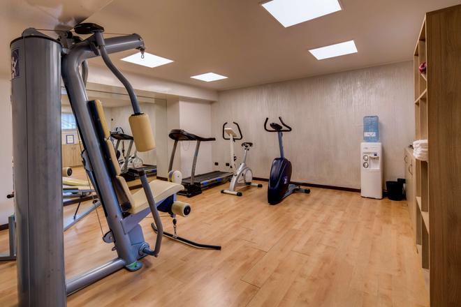 法尔内塞加贝斯特韦斯特优质酒店 - 帕尔马 - 健身房