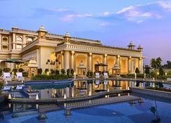 焦特布尔印达纳宫殿酒店 - 焦特布尔 - 游泳池