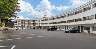 彭蒂克顿酒店 - 登高精选酒店 - 彭蒂克顿 - 建筑