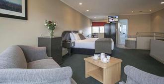 康沃尔汽车旅馆 - 北帕麥斯頓 - 睡房