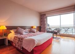 埃尔米塔吉酒店 - 勒皮 - 睡房