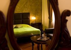 纳夫普利翁安德洛墨达膳食公寓酒店 - 纳夫普利翁 - 睡房