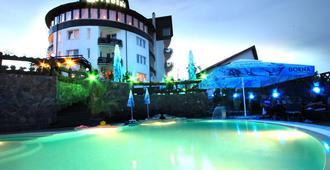 贝尔福德雷尔酒店 - 布拉索夫 - 游泳池