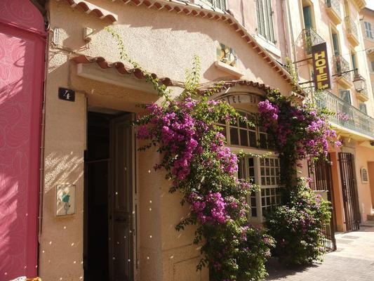 波尔塔雷酒店 - 耶尔 - 户外景观