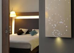 亚维中心诺富特酒店 - 阿维尼翁 - 睡房