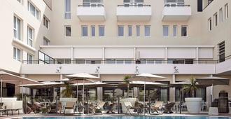 亚维中心诺富特酒店 - 阿维尼翁 - 建筑
