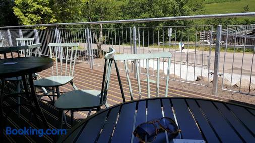 格伦尼维斯青年旅舍 - 威廉堡 - 阳台