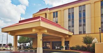 孟菲斯机场雅园拉昆塔酒店及套房 - 孟菲斯 - 建筑
