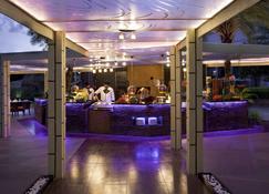 海德拉巴会议中心诺富特酒店 - 海得拉巴 - 餐馆