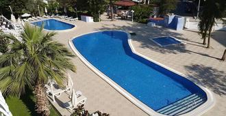 哈里斯奥特尔马尔马里斯酒店 - 马尔马里斯 - 游泳池